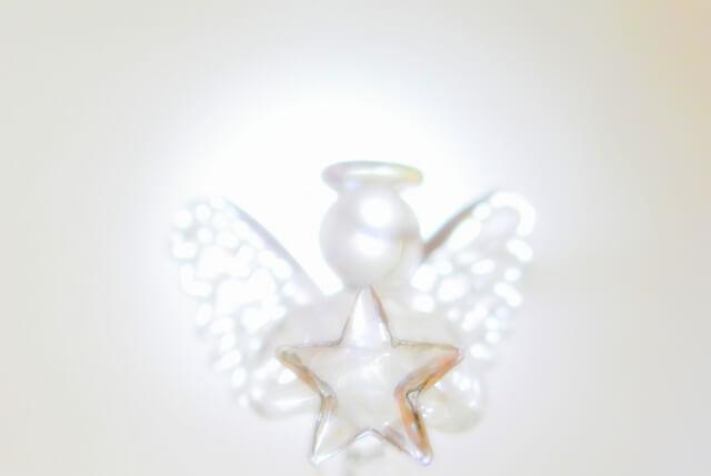 新月の願い事、天使の羽を生やす!